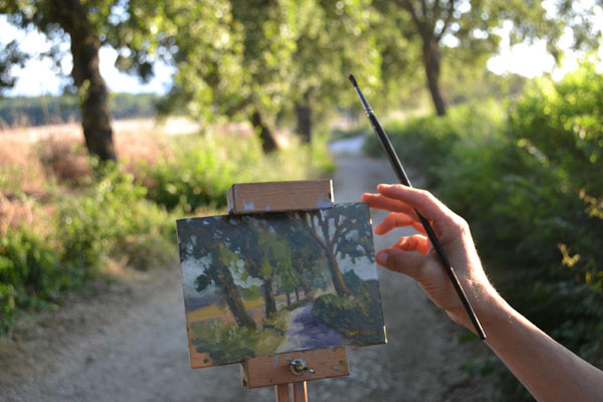Slider-Home-Caridad-Barragan-Painting-with-Hand